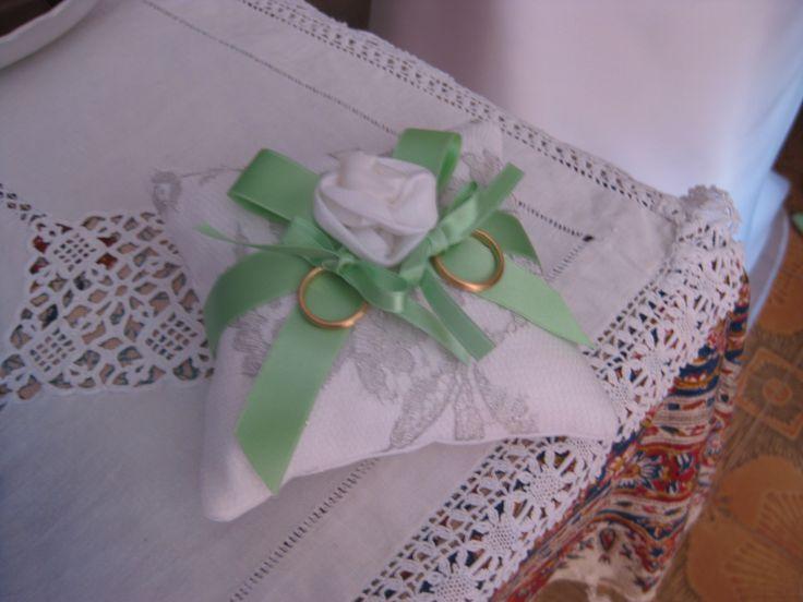 Cuscinetto abbinato ad abito Favole di Seta Sartoria Torino... pronto per la cerimonia!