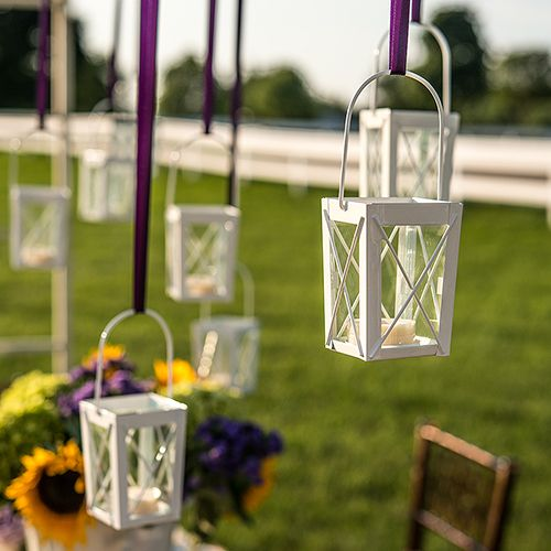 mini-lanterns-with-hanger-displaying-numerous-lanterns
