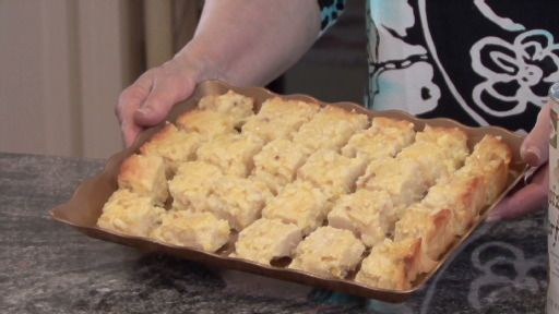 How To Make A Pineapple Kugel For Seder http://www.monkeysee.com/play/8722-how-to-make-a-pineapple-kugel-for-seder