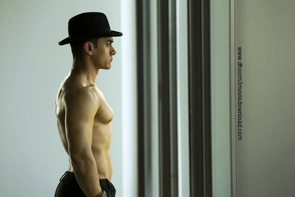 Dhoom 3 HD Wallpapers of Aamir Khan Body Latest Pictures