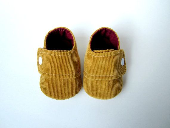 Unisex Baby Booties in Cider and Oxblood // Sizes 14 // by Molipop
