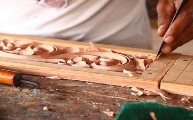 """Presentazione Scuola d'arte e Scuola de Legno - Sedico - Centro Consorzi Come si lavora il legno, si impagliano le sedie e si scolpisce un volto? Il Centro Consorzi propone una serata di presentazione delle attività didattiche della Scuola d'Arte """"A.Murer"""", della Scuola d #corso #formazione #legno #arte #sedia"""