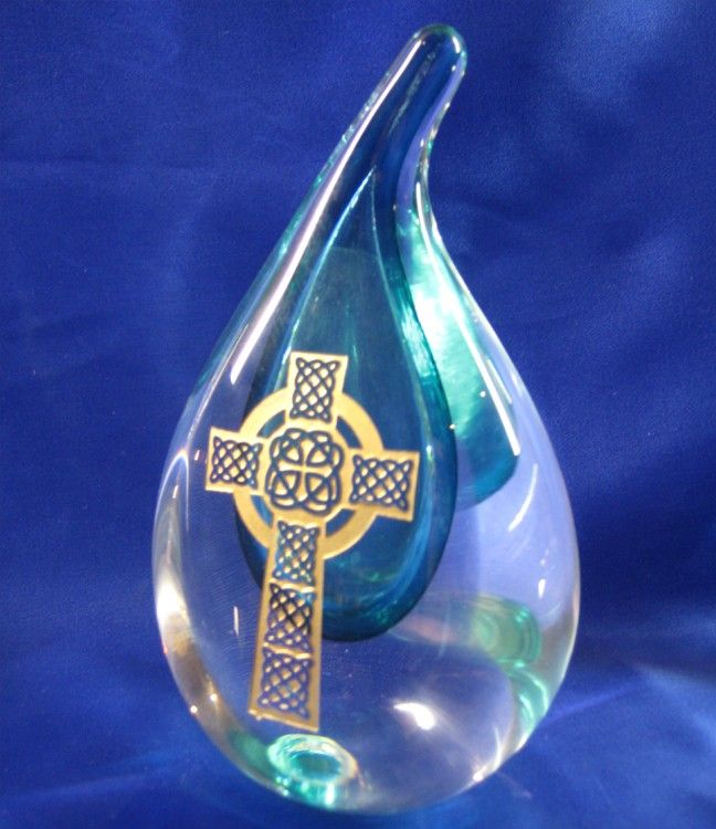Green Crystal Raindrop - Celtic Cross €87.00