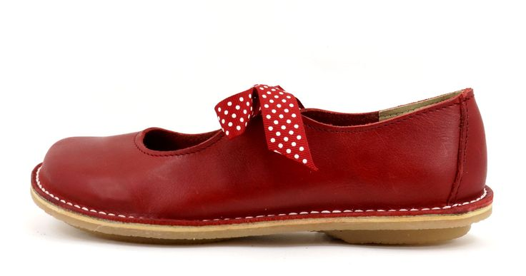 Freestyle Fern Gristle Red  Handmade Full Grain Genuine Leather Shoe. R 789. Handcrafted in Cape Town, South Africa. Code: 12103 Fern See online shopping for sizes. Shop for Freestyle online https://www.thewhatnotshoes.co.za Free delivery within South Africa.