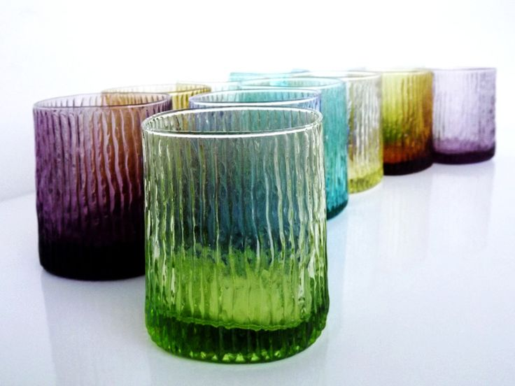 Risultati immagini per vetro colorato tavola ivv
