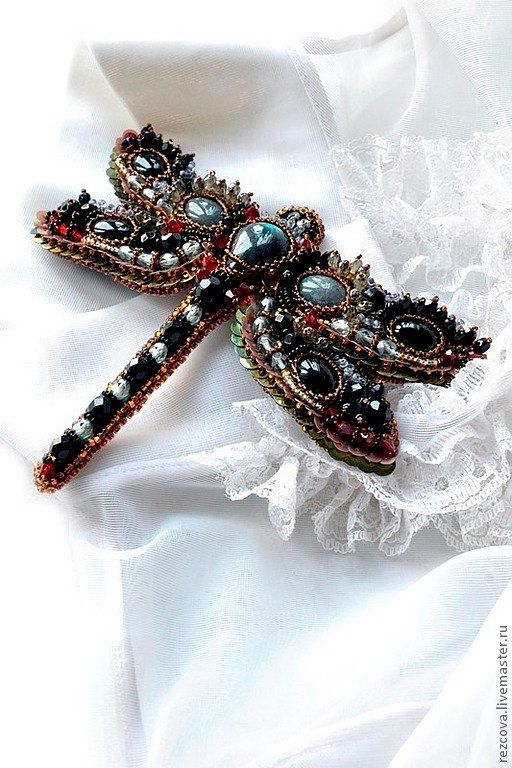 Dragonfly brooch. Nature jewelry, insect jewelry, dragonfly jewelry, bead embroidery