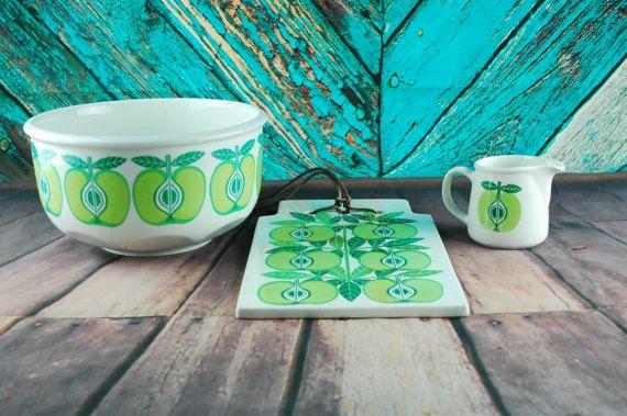 1960's ARABIA FINLAND green apple print set - Mixing bowl, creamer and cutting board - Rare mid century Scandinavian pottery