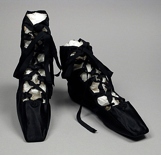 Pair of Woman's 'Grecian Sandals' in Shoe Bag, England, circa 1818, LACMA Collections Online FANTASTIC!
