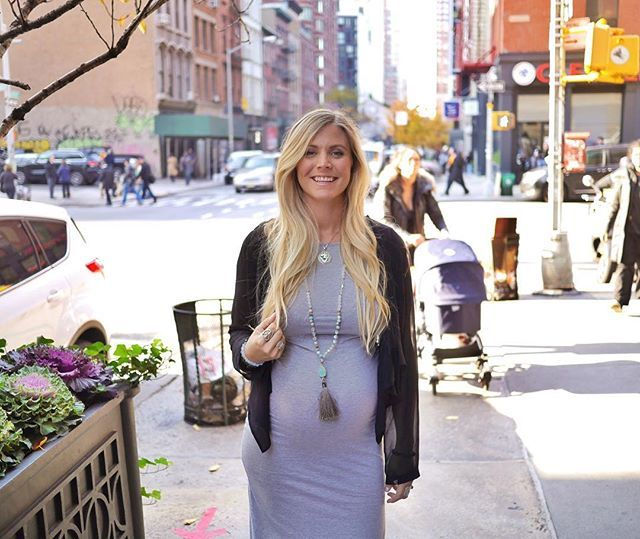 """""""Enjoying the sunshine! Walking trough the streets of New York on a sunny fall day is such magical thing. I urge you all to take a break, go outside and get some fresh air - wherever you are! Even with grey skies, a moment in nature is healing for the heart. Now, lunch!"""" - @yoga_girl #RachelBrathenForHealth #yogagirlforhealth #nyc #fall"""