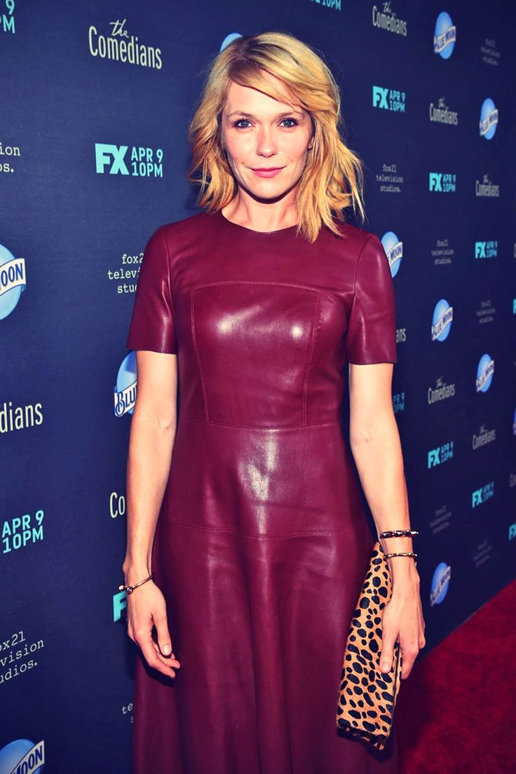 Wearing an edgy, yet, very feminine outfit, actress Katie Aselton attended the premiere of FX's 'The Comedians' at The Broad Stage in Santa Monica,…