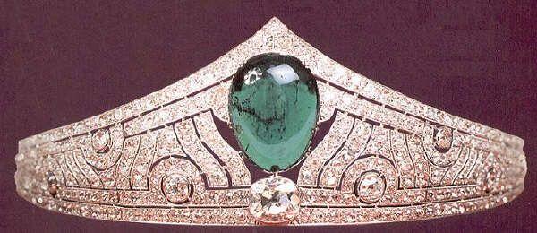 Diadema art dec di diamanti e smeraldo della granduchessa for Tiara di diamanti