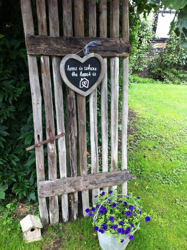 Pi di 25 fantastiche idee su recinzioni da giardino su for Recinzioni in legno composito
