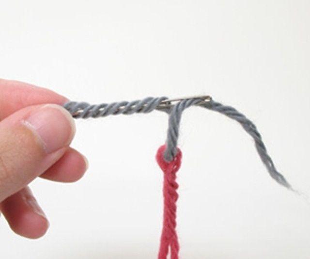Способ соединения нитей без узелка (мастер класс) / Вязание / ВТОРАЯ УЛИЦА