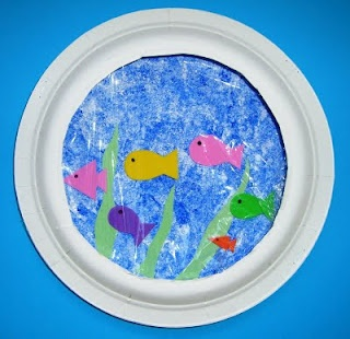 Paper plate fish bowl craft Use for Dr Seuss week? One fish, two fish, red fish, blue fish... Maybe use Swedish Fish candies??