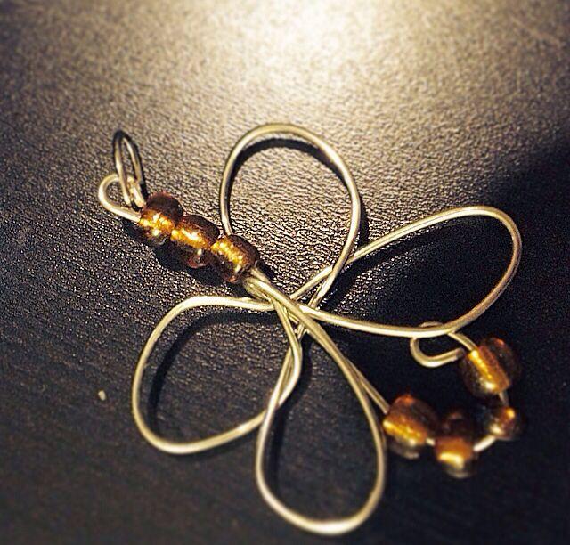 Angels pendant.  Wire and bead art pendant.  $15  Www.sozojewellerydesigns.com
