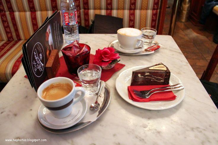 Cafe Mayer Bratislava, Coffee and sachertorte. / Şehir merkezinde güzel eski bir kafe. Meşhur çikolatalı pastaları Sacher torte Viyana dan güzel