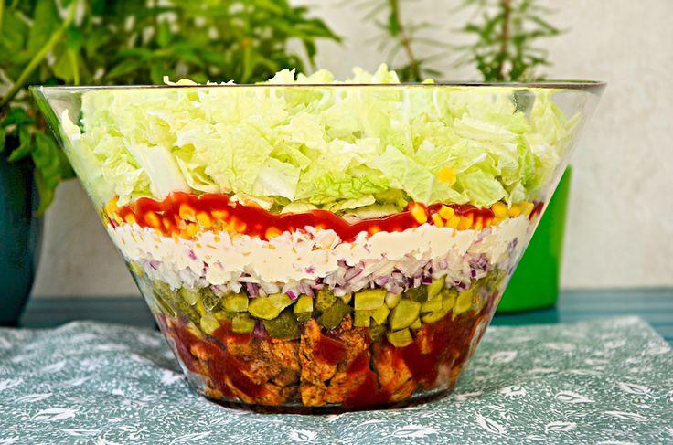 Sałatka gyros    Gyros salad, for English scroll down       Nie znam osoby, która jej nie jadła. Przez ostatnie lata ta sałatka stała się t...