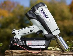 Captive bolt pistol - Wikipedia, the free encyclopedia