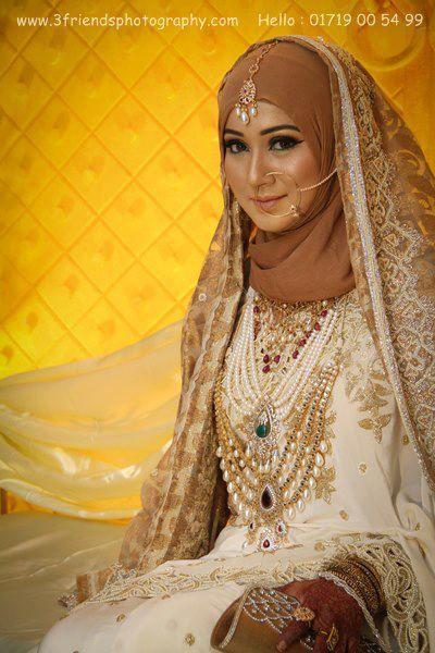 Hijabi bride <3