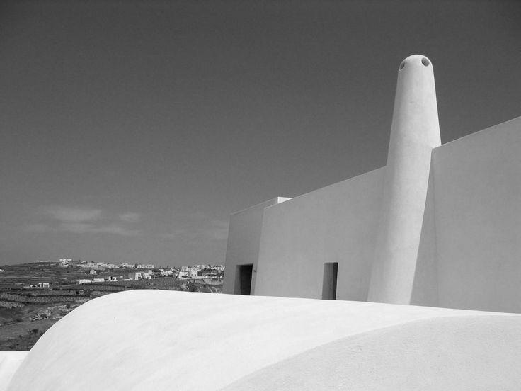 Minimal-Cob-Chimny-Detail-Villa-Exterior-Santorini-Island-Greece