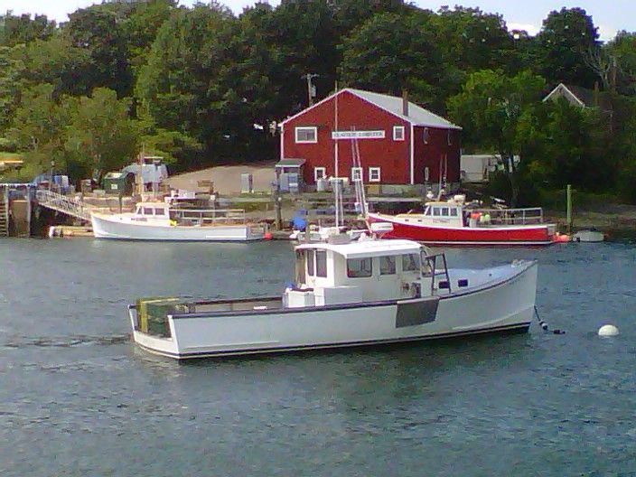 Lobster boat in the harbor discover portsmouth nh for Lobster fishing in maine