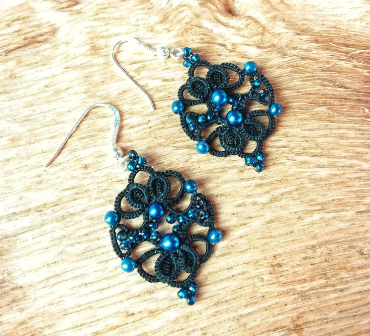 Black Edwardian hoop earrings with royal blue wax pearls and glass beads. Frivolite, chiacchierino, frywolitki, Occhi jewellery. by Tansyjay on Etsy