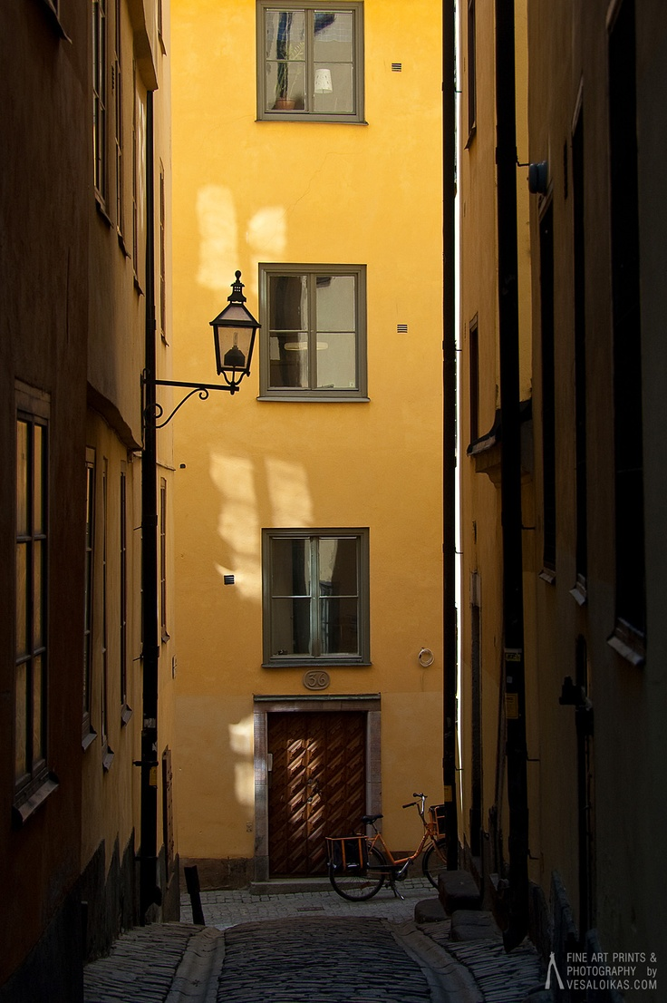 'Yellow Street' Gamla Stan, Stockholm, Sweden May 2009  $3