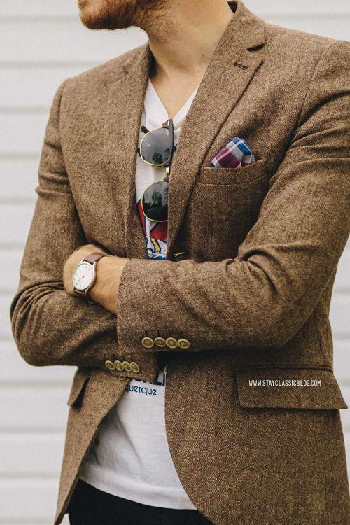 Tweed Jacket, Pocket Square and T-shirt | Men's Fashion | Menswear | Men's Casual Outfit | Moda Masculina | Shop at designerclothingfans.com #MensT-shirts