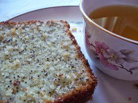 Foto: Pilar Larralde Armas    Una torta de limón facilisima de hacer, sólo mezclar los ingredientes y listo, pero tiene un toque especial,...