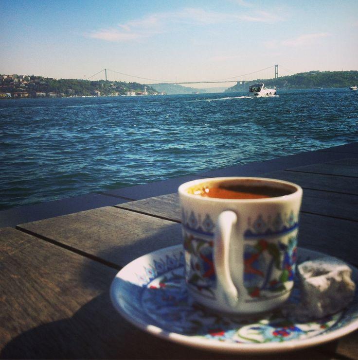 Sıcak Bir Kahve Eşliğinde Haftaya Huzurla Başlamanız Dileğiyle...