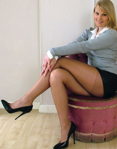 Nude pantyhose with reinforced panty...lovely