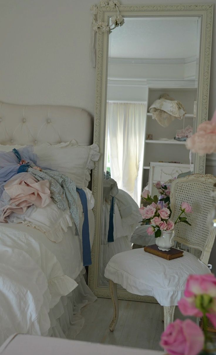 Shabby Chic Bedroom Mirror 17 Best Images About Shabby Chic Bedrooms On Pinterest Shabby