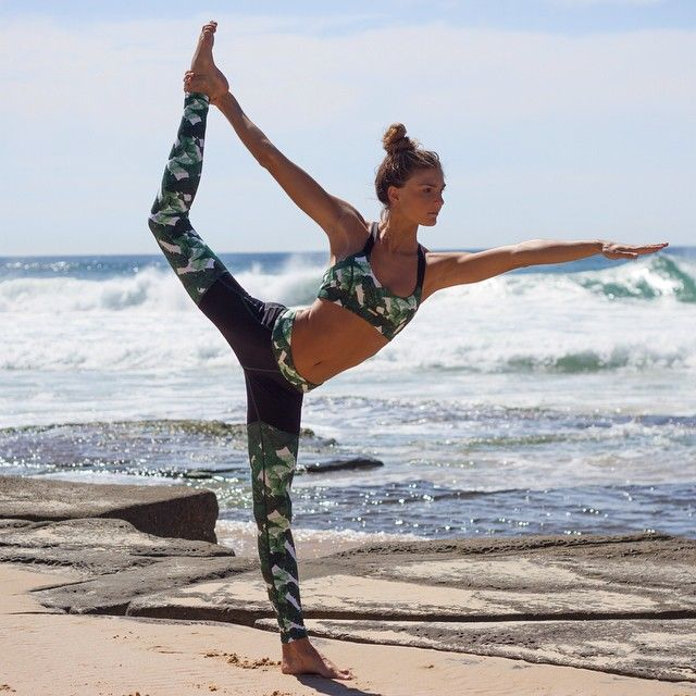 Designer pick - Banana Baby Spliced Leggings are made from high quality compression fabrication #lurvsportswear www.lurv.com.au