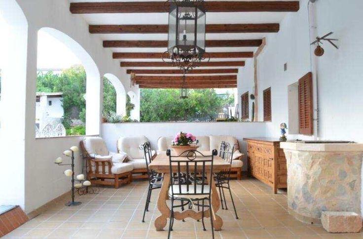 Möblierte 190m² EG-Wohnung mit kompletter Küche und Terrasse: S Horta ist ein kleines, beschauliches Örtchen nahe Cala D Or, hier befindet sich diese Erdgeschosswohnung in einem...