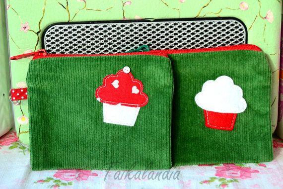 Green Cupcake Zipper Pouch, Zippered Cupcake Pouch, Cupcake Applique Pouch, Zipper Wallet, Coin Purse, Card Case, Small Makeup Bag