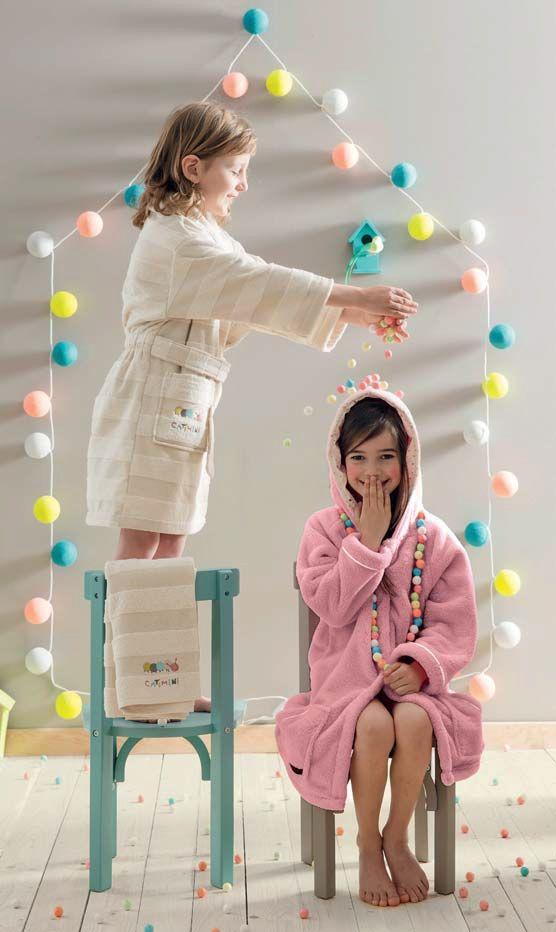 Des éclats de rire des petits, aux paroles rythmées des grands, les mots d'enfants inspirent des collections à vivre et à réinventer pour des moments de vie colorés. Du plus grand, au tout petit, l'enfance se vit en Catimini ! www.lacompagniefrancaise.com