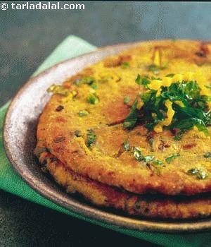 Kaddu Palak ki Roti recipe | Indian Recipes | by Tarla Dalal | Tarladalal.com | #1984