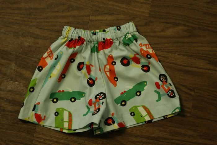 It's All Homemade: How to Make a Pair of Toddler Shorts