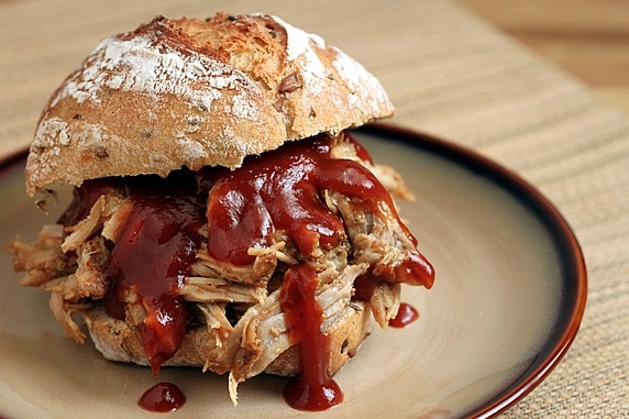 Slow Cooker Pulled Pork - A Low Fat | Recipe | Pinterest ...