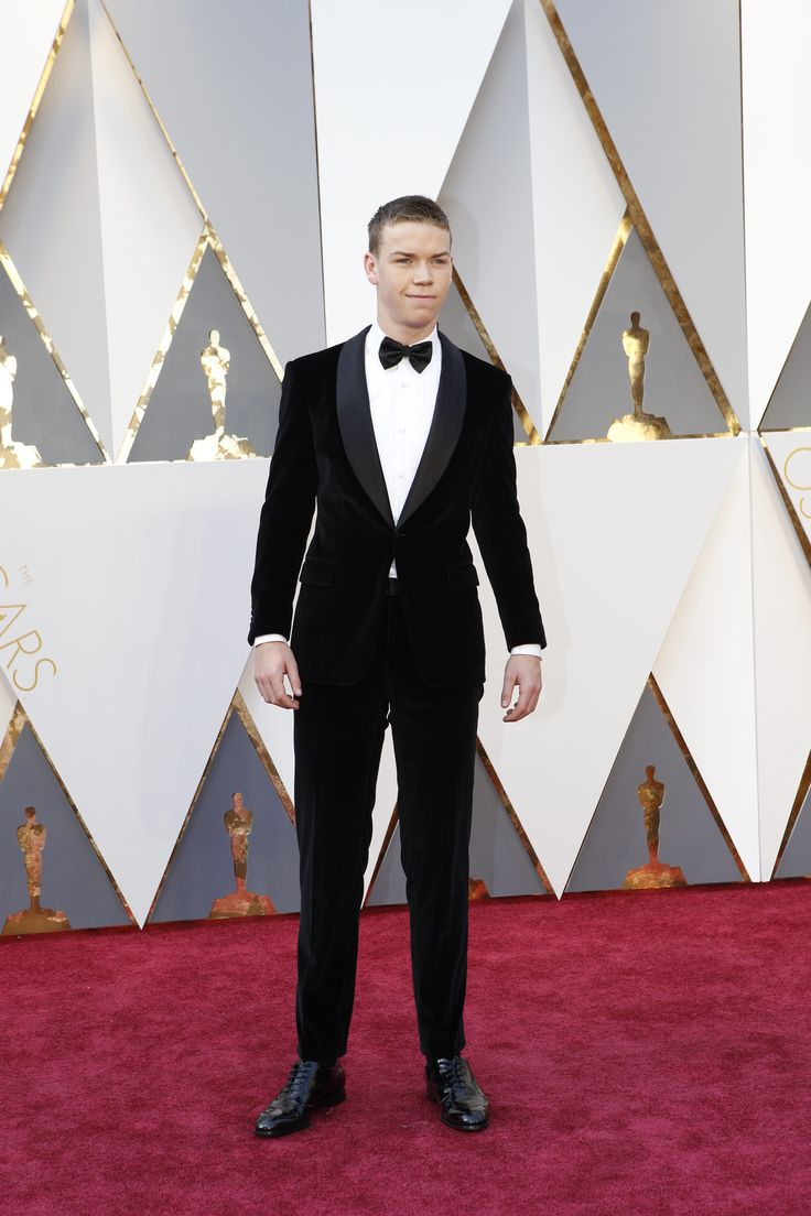 View Oscars 2016 red carpet arrivals photos to see fashion, best dressed and celebrities attending the 88th Academy Awards.