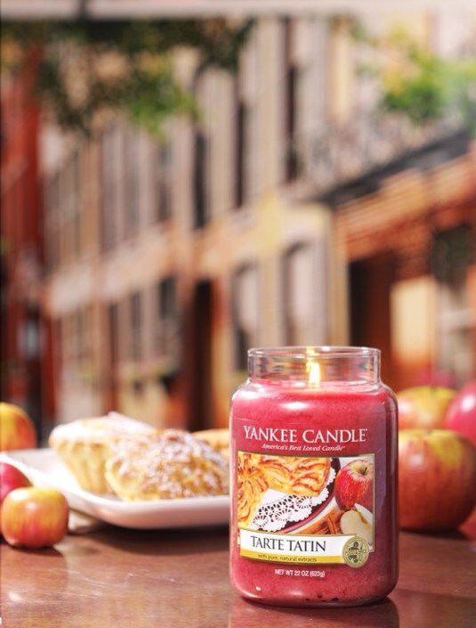 Tarte Tatin från Yankee Candles serie Café Culture.   Nybakad frestelse gjord med söta äpplen, kryddor och vanilj. #YankeeCandle #Tarte Tatin  Bildkälla: The Yankee Candle Company