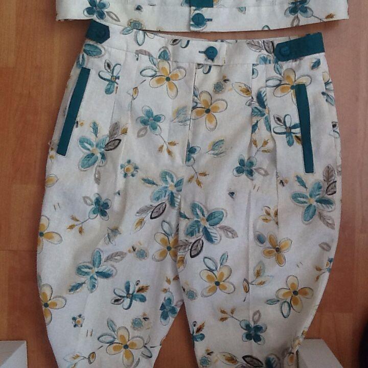 Carmen 2016 welt zippered pockets