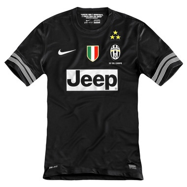 Jersey away Juventus versi Juve Store