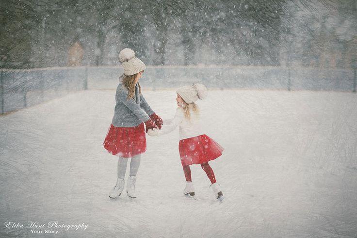 Estonia Γλιστράνε απαλά στον πάγο και ταξιδεύουν μακριά, ελεύθερες και γεμάτες ζωή (Elika Hunt).