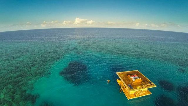 インド洋に浮かんで流れる、豪華な水中小屋リゾートホテル