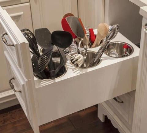 HOW GREAT WOULD IT BE TO HAVE YOUR UTENSILS AT YOUR FINGERTIPS BUT YET HIDDEN OFF THE COUNTER