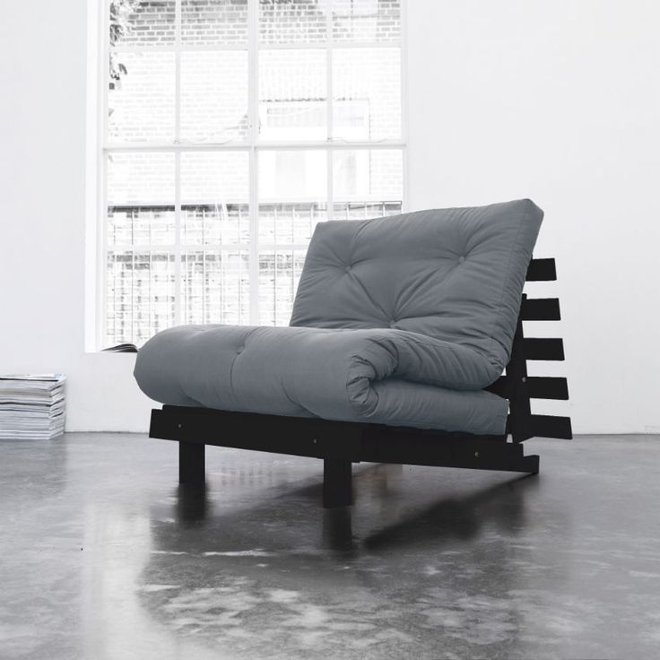 Poltrona letto futon roots karup in legno wenge futon e for Poltrona cama individual