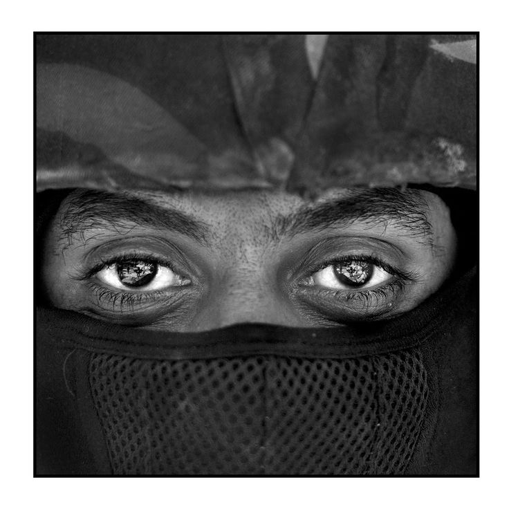 52 best ellos images on pinterest black black white las caras de la guerra cicatrices en rostros y corazones de los habitantes de mosul fandeluxe Images