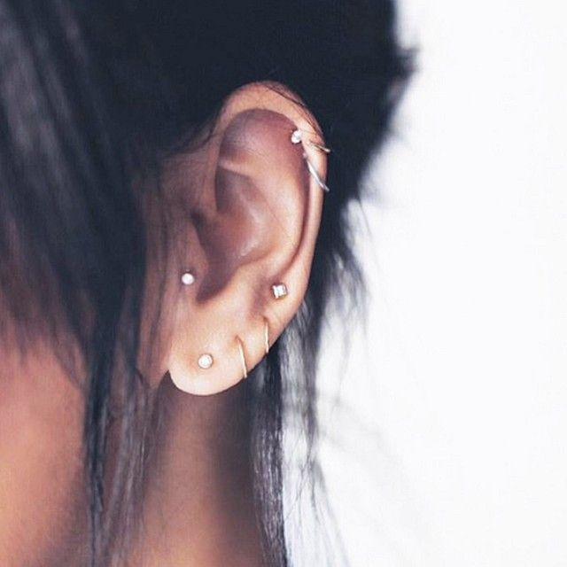 This mix of studs and hoops is so chic