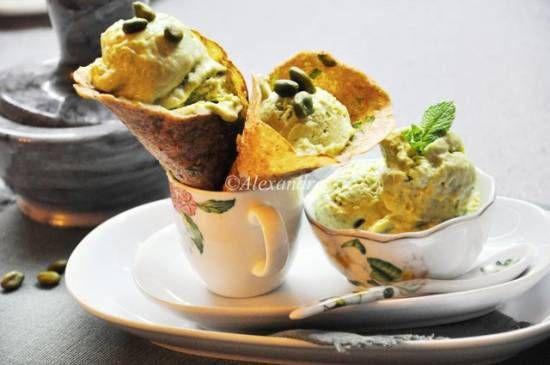 Дуэт Мятно-базиликовое мороженое с зеленым горошком и адыгейским сыром, Лепешки цельнозерновые с зеленым луком